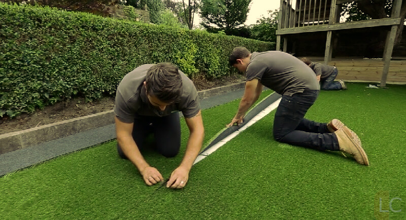 Join artificial grass piece - How to lay artificial turf