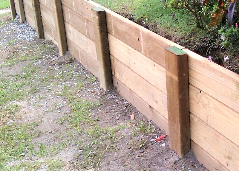 Wood retaining wall - how to build a retaining wall