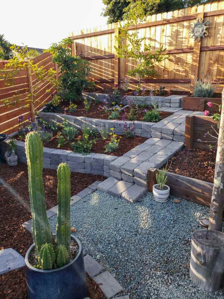 choosing the best materials for raised garden beds ~ homestead and chill