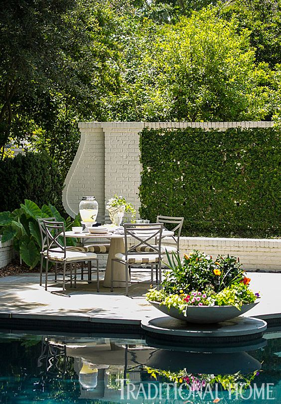 Do's and Don'ts for Choosing the Right Fence Colour | Maria Killam